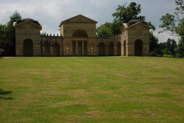 Temple_of_Venus,_Stowe_Landscape_Gardens_-_geograph.org.uk_-_837211